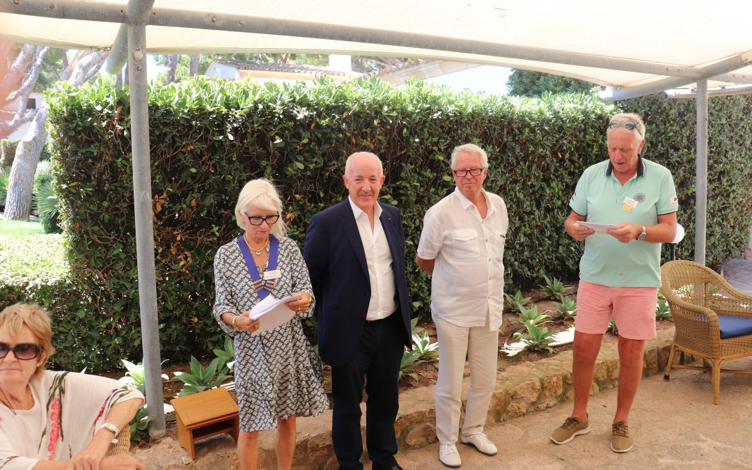 This week an Induction of a new member and an associate member to Rotary Club Calvià International.